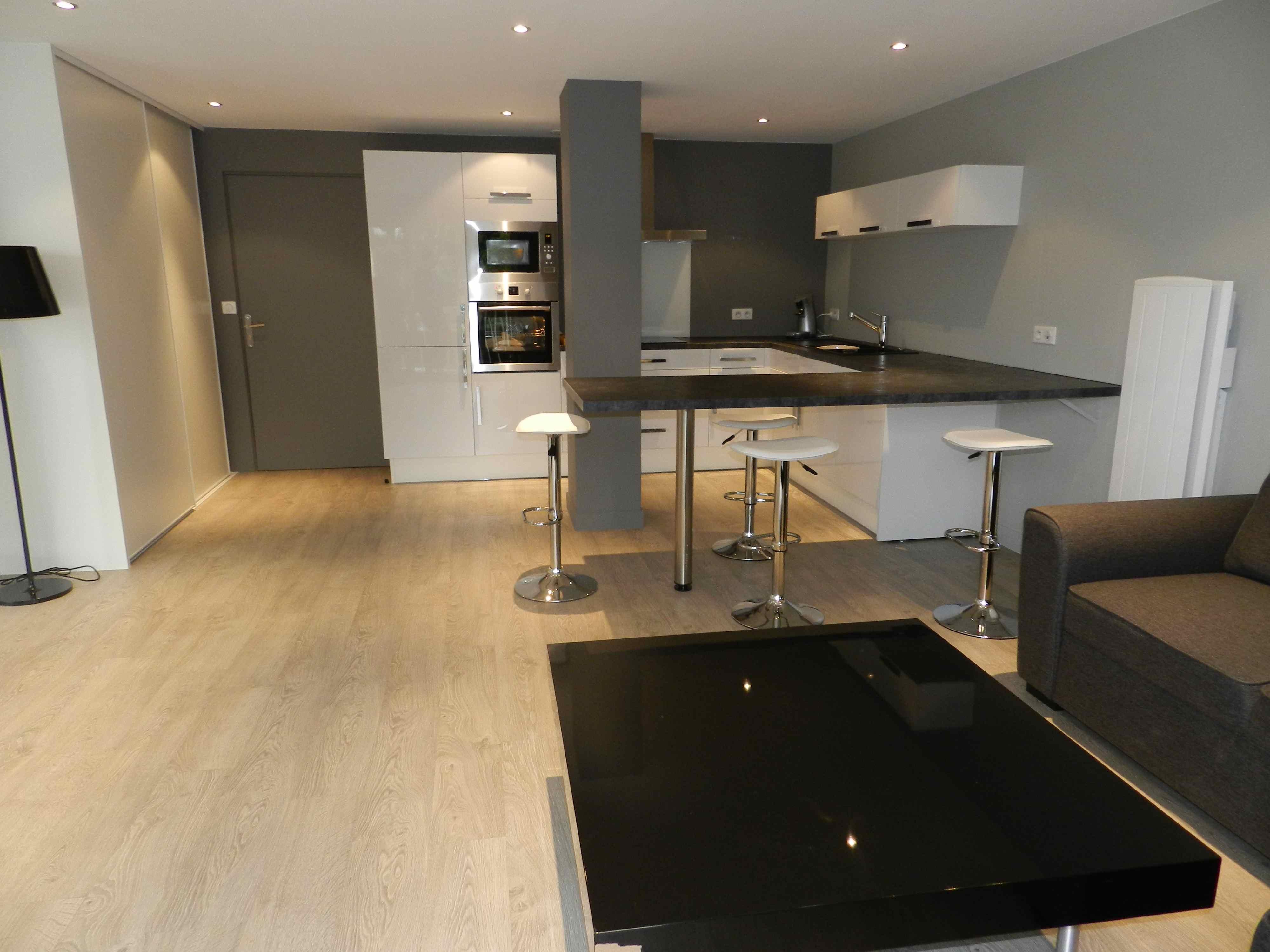 Onwijs Home Staging ou Mise en valeur immobilière pour cet appartement PQ-29